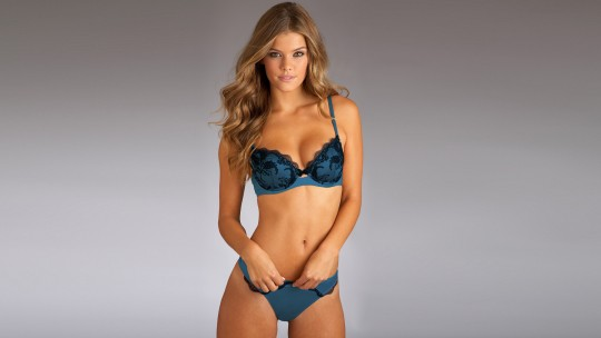 NINA AGDAL FASHION SPOT16