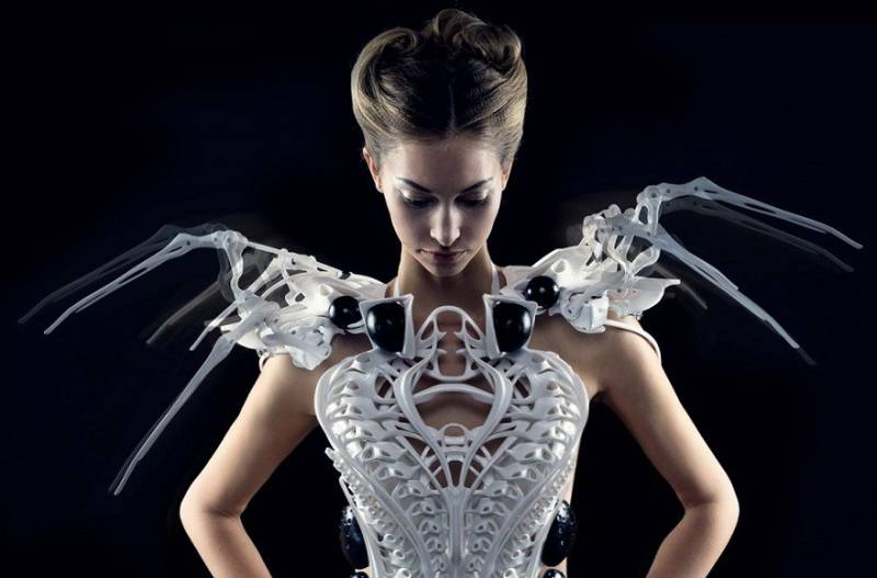 spider_dress_feature-e1473436645289