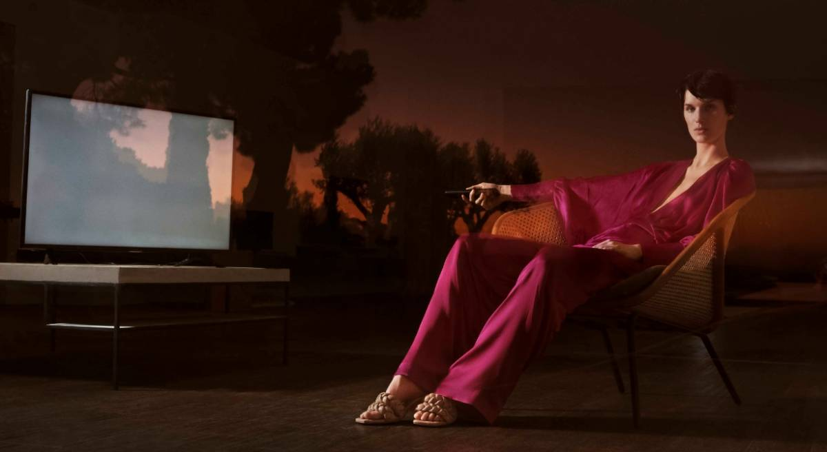 Uterqüe -una campaña que revela una estética retro futurista 4