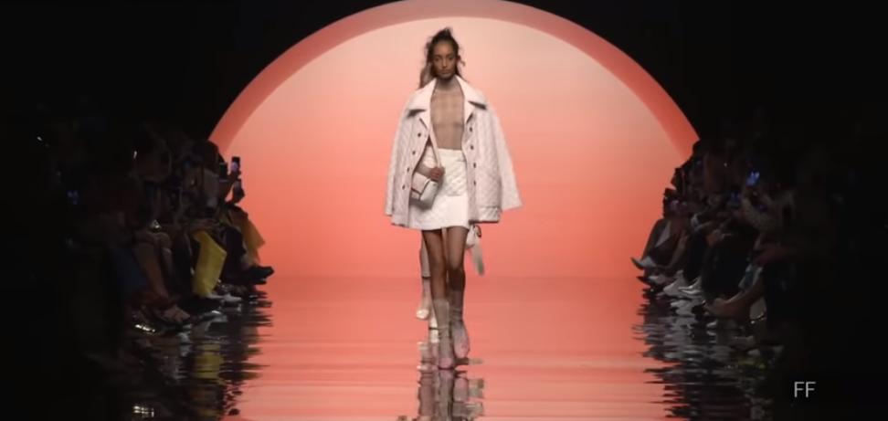 fendi fashion show 2020:la compilación Prefall desarrollada por Silvia Venturini 8
