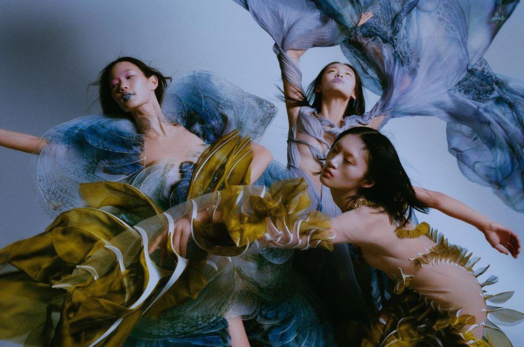 este es el estilo de iris van herpen para 2020 -El vestido 'Transmotion' 5
