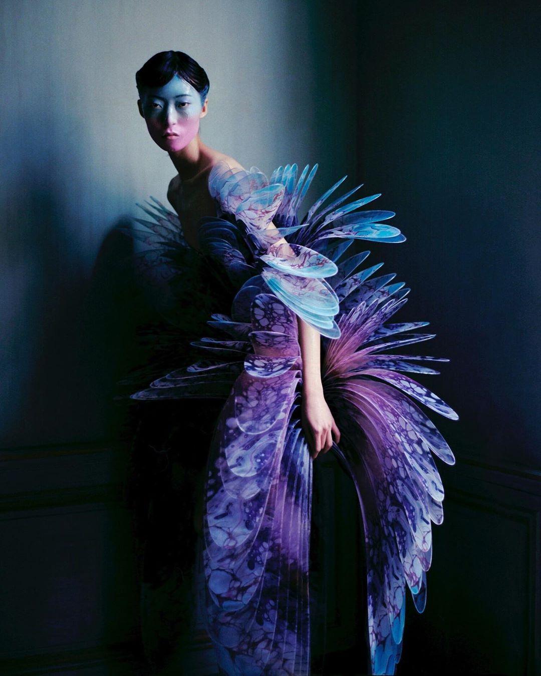este es el estilo de iris van herpen para 2020 -El vestido 'Transmotion' 6