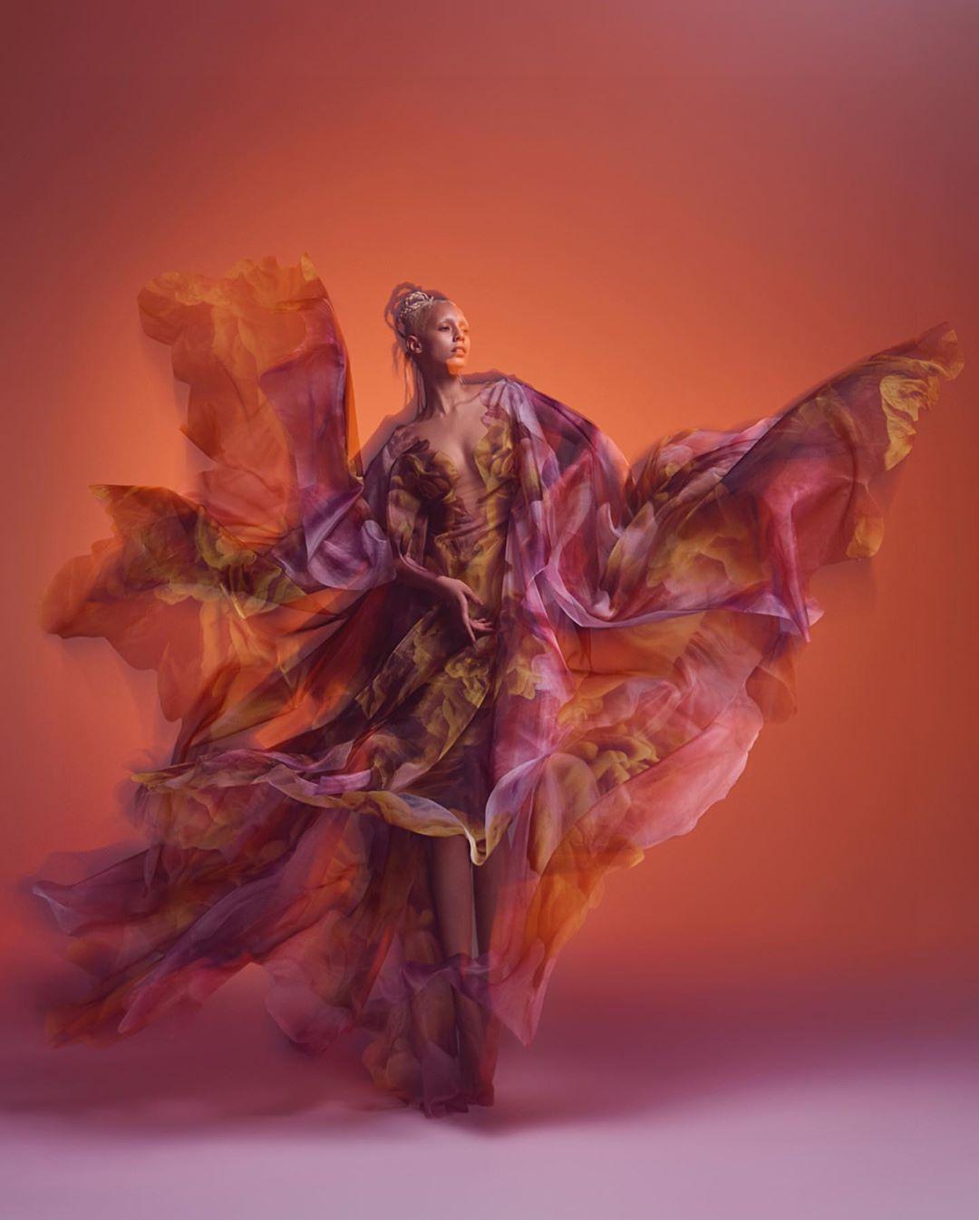 este es el estilo de iris van herpen para 2020 -El vestido 'Transmotion' 7