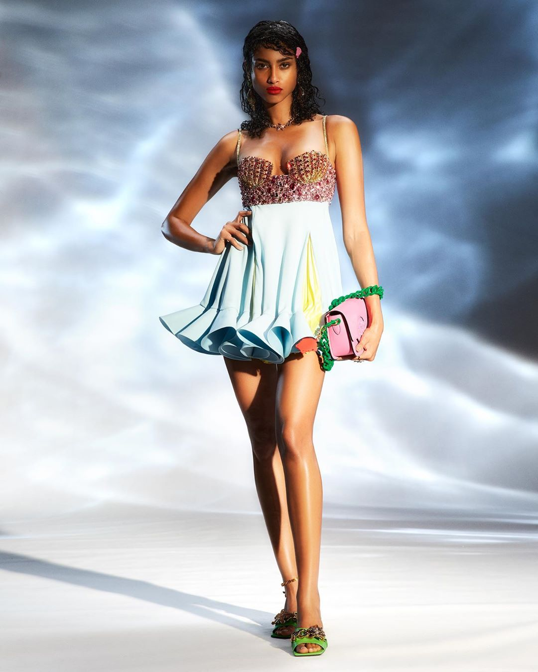 versace fashion: 12