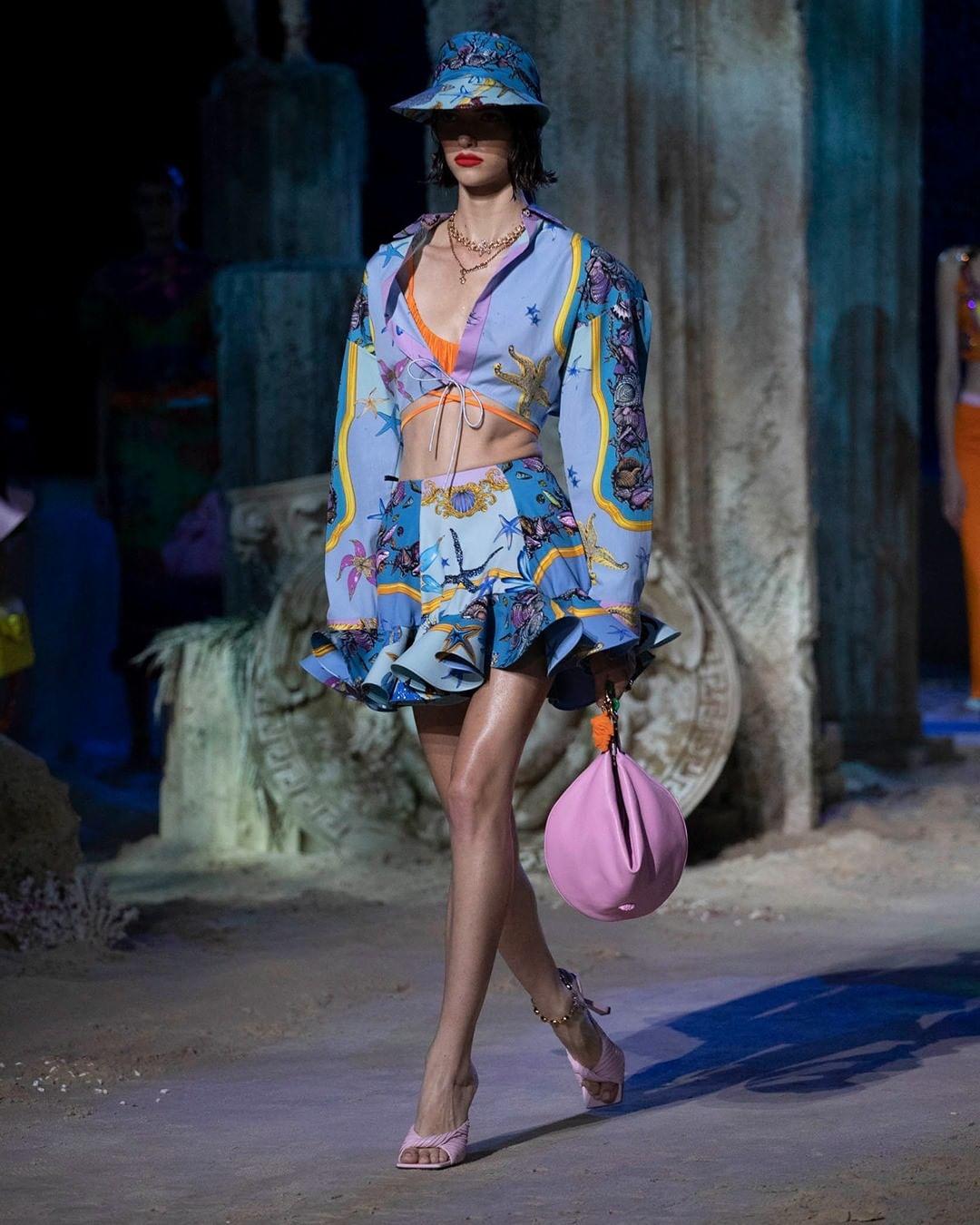 versace fashion: 7